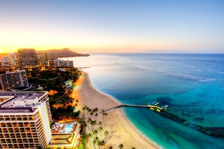 When Is the Best Time to Go to Hawaii, According to 9 Travel Experts
