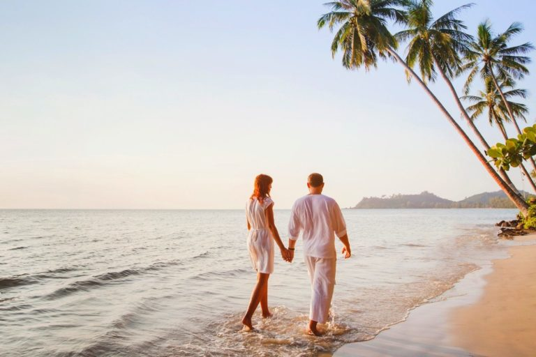 How Long Does the Honeymoon Phase Last, According to 4 Experts