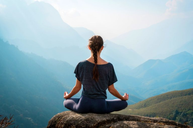 Best Time to Meditate, According to 12 Experts