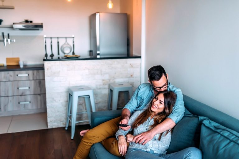 How Do You Know When to Move in Together? According to 6 Experts