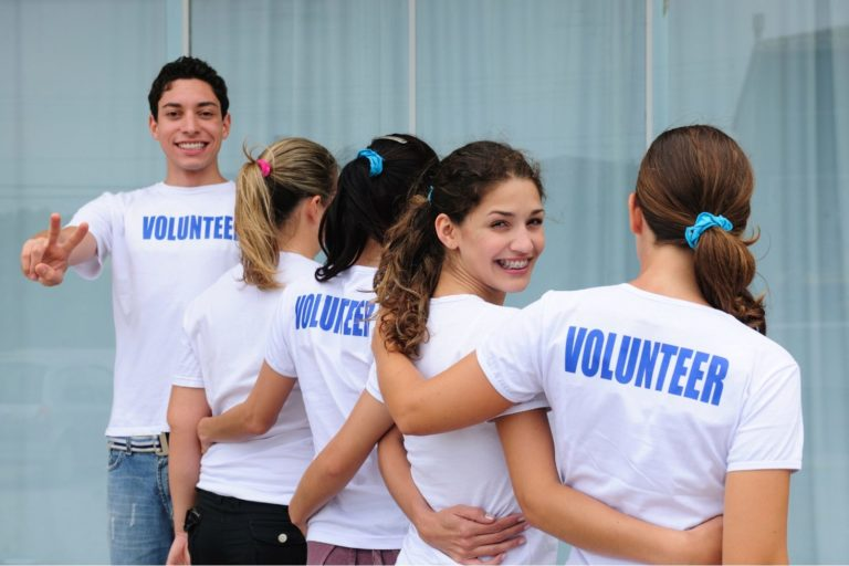 The Importance and Benefits of Volunteering, According to 15 Real Life Volunteers