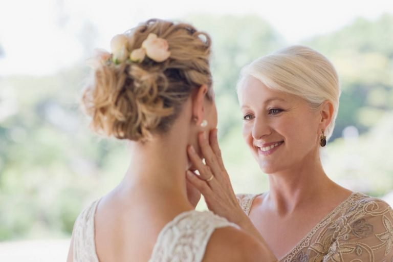 What to Say to Your Daughter on Her Wedding Day?