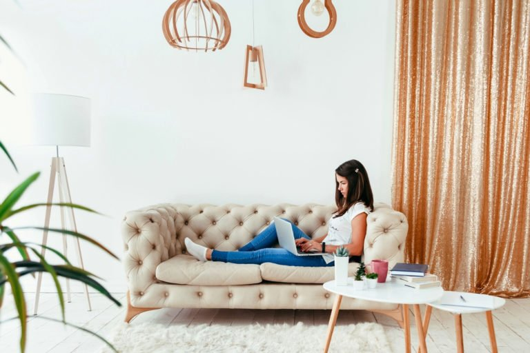 Minimalism While Working From Home: 10 Steps to Simplify Your Life