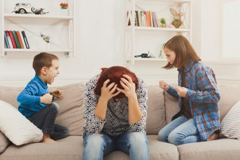How to Deal With a Stepchild Who Doesn't Like You