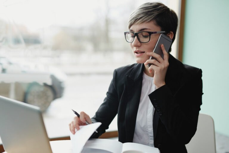 Who Calls Who for a Phone or Skype Interview